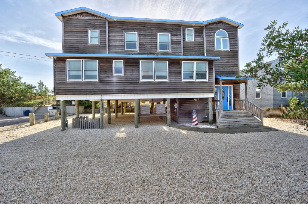Large oceanfront home beautiful new 39 hanover house 39 for The hanover house