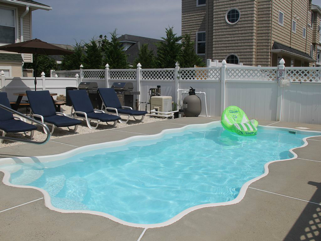 LBI Vacation Rentals with POOLS