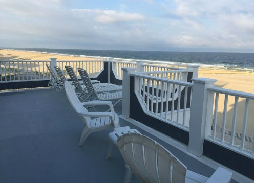 Lbi Oceanfront. Beautiful! Views Galore. Dine Overlooking the Dunes.