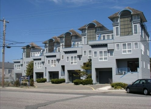 Huge Bayview Condo- Special July 13! Perfect for  Families & Your Dog!