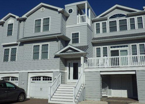 Brant Beach Yacht Club Area, 5 Bedroom Spacious Home