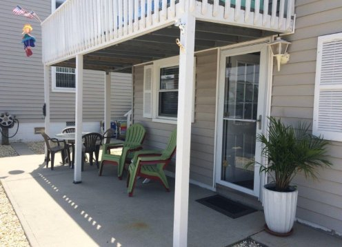 Awesome 2 Bedroom Duplex in the middle of Beach Haven