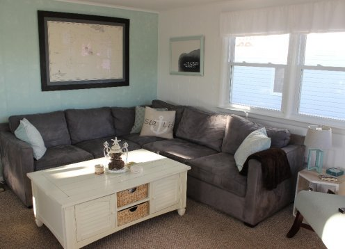 Ocean Side 3 BR Condo, Recently Updated, 7 from Beach, Cozy and Bright