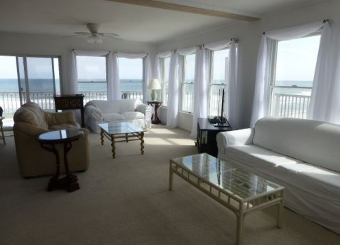South Beach Chic in North Beach! OCEANFRONT!! Only 2 weeks left!