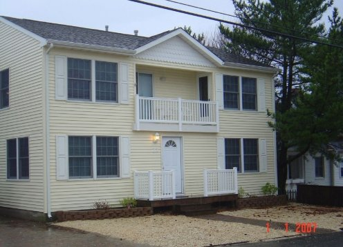 3rd from the ocean! Brant Beach 2 Bedroom,1 Bath, Sleeps 6.