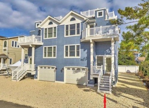 North Beach 5bed3.5bath wpool, deeded access, bay views, & ocean views