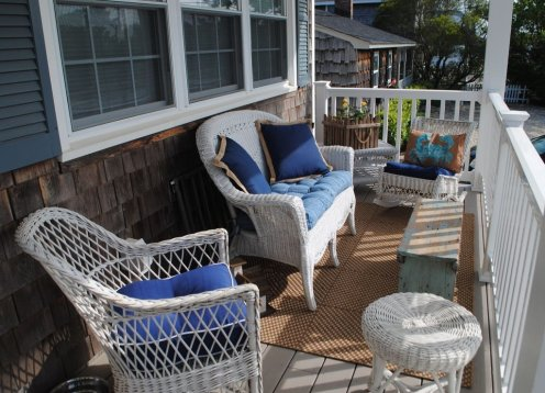 Charming Cape in Yacht Club Area, outdoor living at its best!