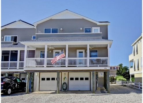 Bayside gem in the heart of Beach Haven!
