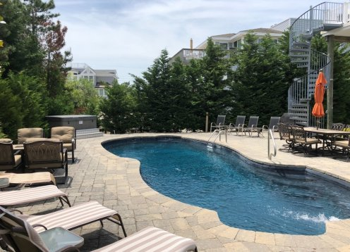 Heated Pool, Hot Tub, & MORE! 4th from Beach in Loveladies