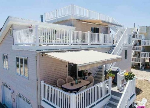 4 Bedroom House 1 off the  bay great views from all 3 decks