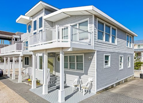 Oceanfront PET FRIENDLY Immaculate Townhouse