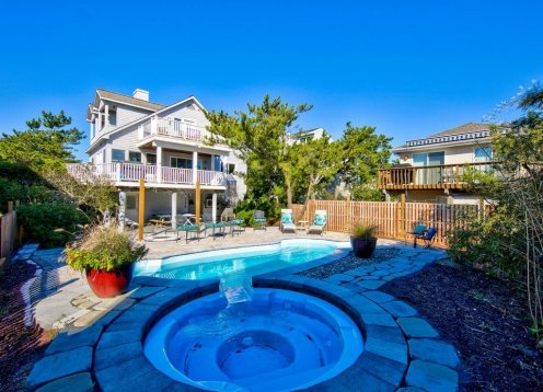 Oceanfront  , heated pool ,  4 bedrooms &  studio apt sleeps 16