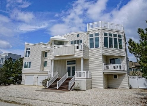 Ocean Block w POOL in Loveladies 7 Bedrooms, Bring the whole family!