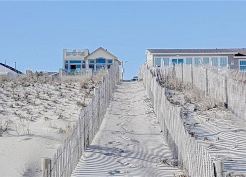 OCEAN FRONT LBI SURF CITY LUXURY BEACH HOUSE RENTAL. PRIME LOCATION