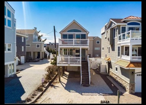 LOCATION!! Surf City -1 off the ocean house with ocean views!