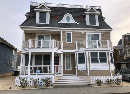 Heart of Beach Haven Location - Beautiful Home - Barnegat Quarters