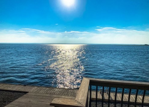 6bdrm Unobstructed Bay Front Views Minutes from the Beach