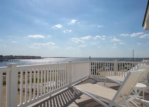 Panoramic Bay Views from every room! Swimming Pool!  4 BR 2.5 bath