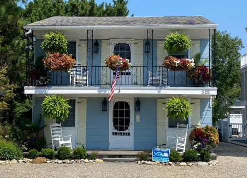FULLY RENOVATED, NEWLY FURNISHED -  Beautiful boutique beach cottages